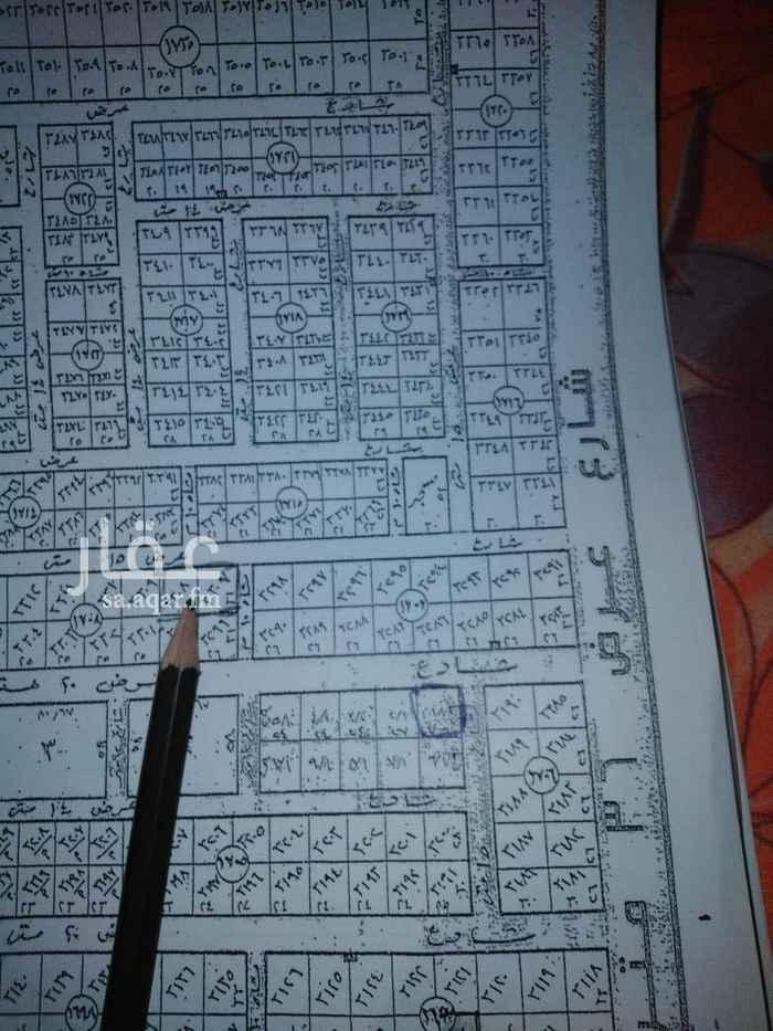 1670151 ارض للبيع زاويه في مربع ٣ مساحه ١٥٨٠م                                      شارع ١٥ شمالي ١٠شرقي.                                                     الأطوال ٥١*٣١.                                                                سوم ٢٥٥٠.
