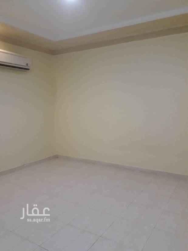 1680047 شقة عوايل اربع غرف وصالة وثلات حمامات ومطبخ منه غرفة ماستر راكب مكيفات اسبلت ومطبخ. نظيفة جدا السعر 28500. الف