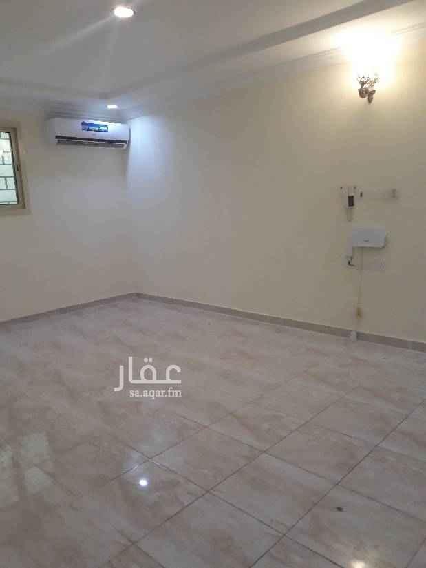 1699464 شقة عوايل 4 غرف وصالة وثلاث حمامات ومطبخ منها غرفة ماستر راكب مكيفات اسبلت ومطبخ دور ارضي مساحة ممتازة السعر 28500 الف شامل. للتواصل 0583354729