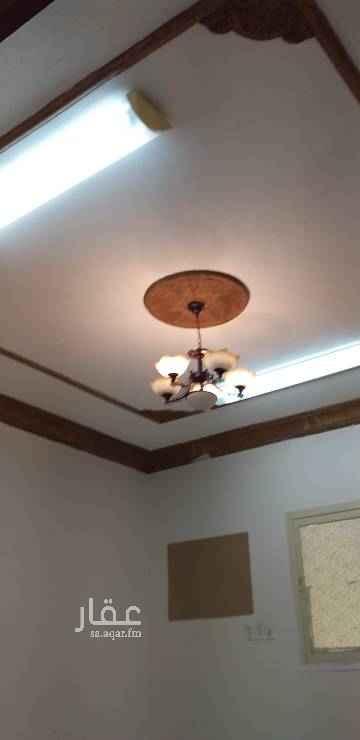 1649076 شقة للايجار في البايونية  شارع ابو حدرية تقاطع الثالث والعشرون تتكون من ٤غرف وصالة ومطبخ وحمامين بها مدخلين  الايجار سنوي طريقة الدفع كل ٣شهور