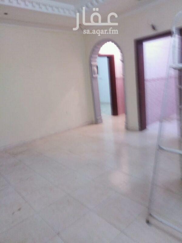 1349373 غرفتين وصالة مطبخ دورتين مياة  دور ثاني مصعد  حي الاجواد  مطلوب 12 الف