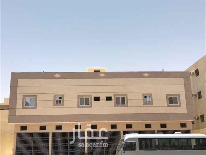 1523955 عماره تتكون من 8 شقق 4 غرف و5 محلات تجاريه كلاها مأجره /
