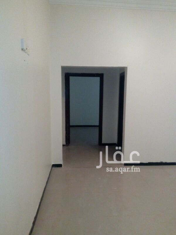 1376212 شقة غرفة وصالة وحمام   شبة جديدة مجددة لشخصين محترمين فقط