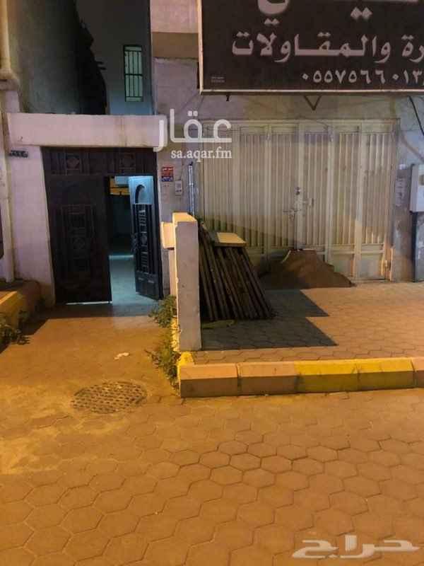 1541151 عمارة عمرها 27 مقابل البنك العربي  موقع تجاري محلات تجارية 3  الإجار دورين وملحق 3000 فقط  وسلامتكم