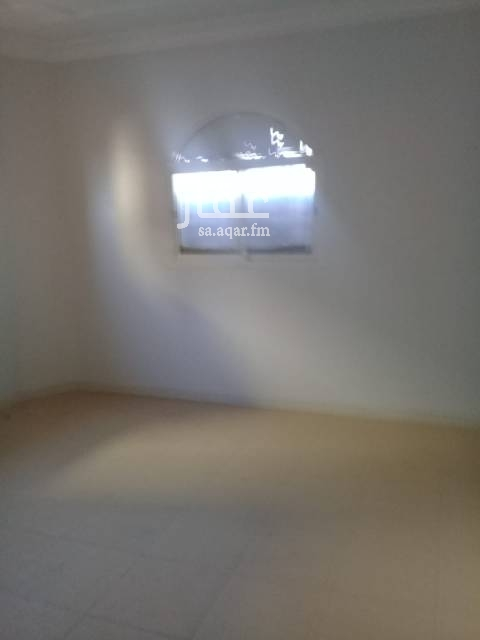 1732094 شقة عوائل ب خوجة حي المونسيه مدخلين للشقة كهرباء مشتركة دور أول 4 غرف ومطبخ و صالة و 2 حمام رقم العرض ١١٢٢ للتواصل ؛ محمد ذكي 0508803988 زبير 0555873626