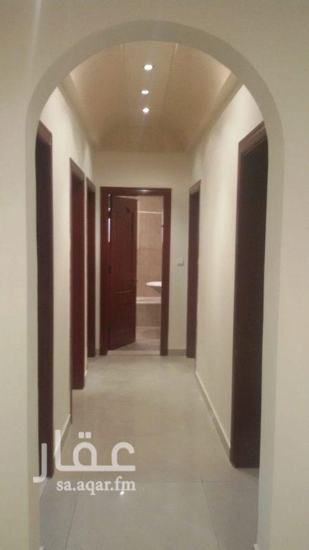1233723 رقم العرض : 111  الموقع : حي الروضة   المواصفات : 5 غرف---ثلاث حمامات---مطبخ راكب+ مكيفات راكبة --- غرفة سائق+غرفة شغالة  السعر: 65000 رقم التواصل : 0591182010