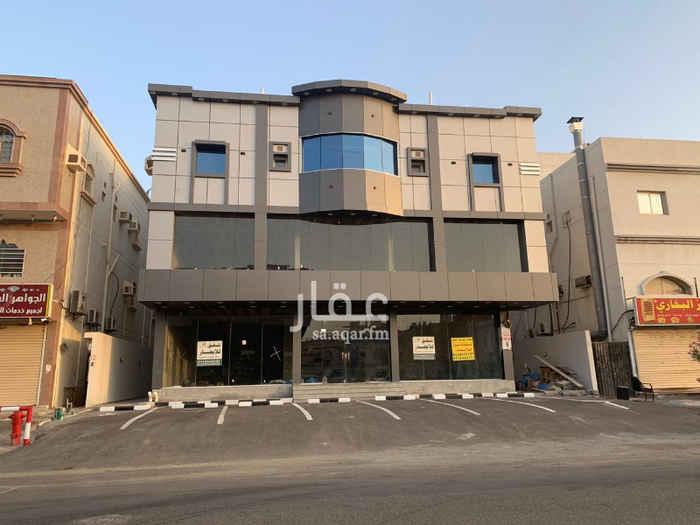 1465850 عماره تجاريه بمخطط الماجد شارع32 الفاصل بين الماجد والحناكي 4محلات+7شقق الشقق(3غرف+4غرف+5غرف) التواصل علي 0591222220