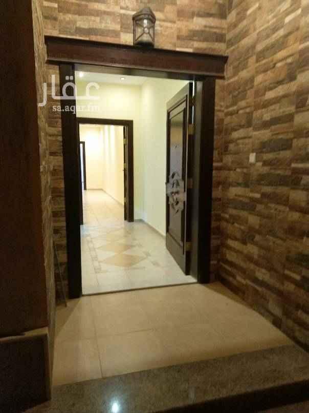 1678536 حي الياقوت  اربعه غرف وصاله وحمامين ومطبخ وغاز مركزي