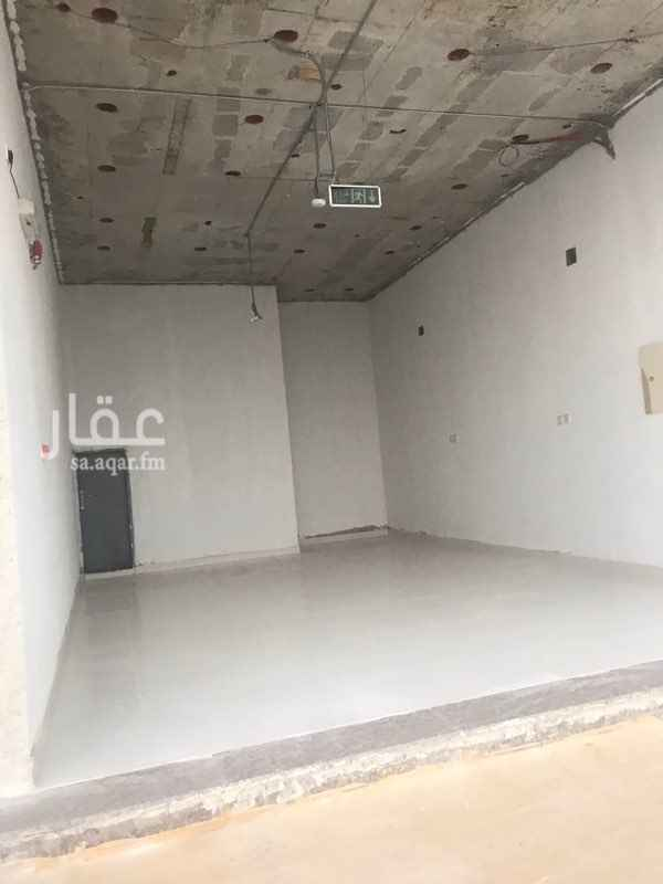 1521501 يوجد عدة محلات لايجار عدد المحلات ٥ الموقع العارض شارع بن عطوه شرق طريق الملك عبدالعزيز   للتواصل 0591330148