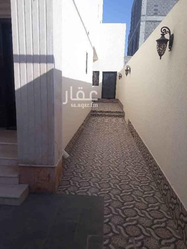 1638739 فيلا للايجار حى البساتين مطبخ مدخل سياره حوش قريبه من مسجد
