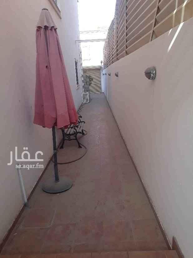 1702401 فيلا للايجار حى النعيم مكيفات مركزي مطبخ مسبح مدخل سياره حوش قريبه من مسجد قريبه من مسجد