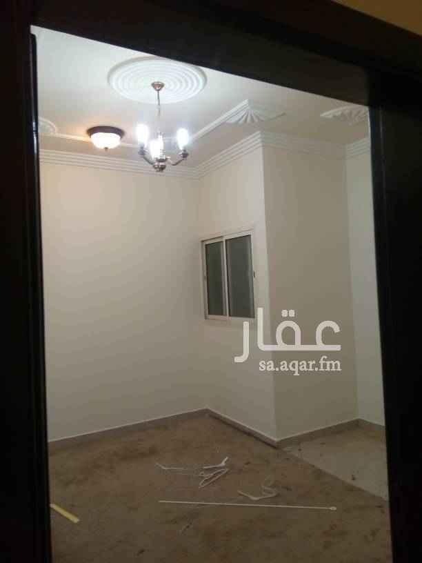 1289475 شقه في حي الحمراء شارع الشيخ ناصر بن منيخر ثلاث غرف وصاله ودورتين مياه ومطبخ راكب الشقه مجدده
