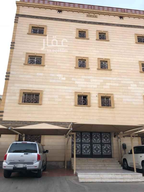 1159353 شقة خمس غرف وصالة وحمامين مجددة وغرف واسعه وكبيره  يوجد مصعد