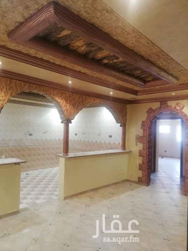 1390544 الدور ٨غرف وصالتين و٦حمام ومطبخين راكبين يمكن تقسيمه لشقتين من ٣غرف و٥غرف الموقع غير دقيق عالواتساب موجود