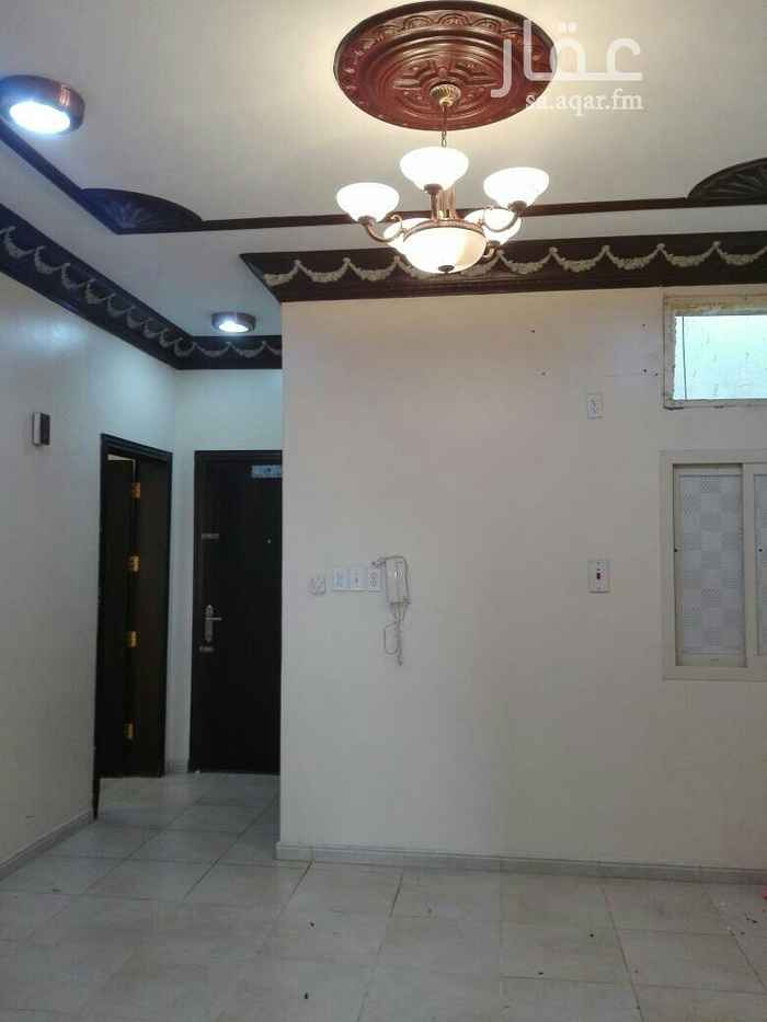 1259234 شقة نظيفة غرفتين وصالة ومطبخ راكب مقفول و 2 حمام بحى الجلوية شارع الطرباق .  الشقة دور ثانى بدون مصعد .
