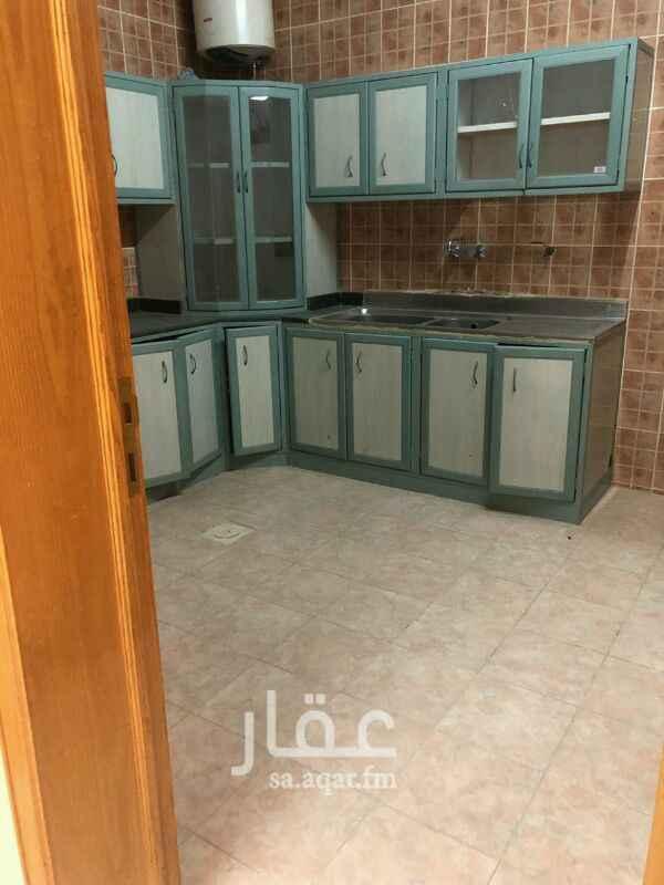 1548641 شقة للإيجار عوائل  حي العقيق شارع عبدالله بن شهوين 3غرفة وصالة و2دورة مياه ومطبخ  راكب مطبخ بدون مكيفات  تشطيب ممتاز