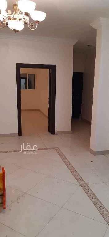 1543962 شقه للايجار في موقع متميز في حي المحمديه قريب من المطار وطريق المدينه جدا
