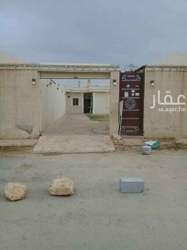 1550558 استراحة عزاب للإيجار بحي الرمال بهآ مدخل سياره غرفه نوم وخيمة بمشب وحوش ومطبخ وحمام  الايجار شامل المياه والكهرباء والصيانة.