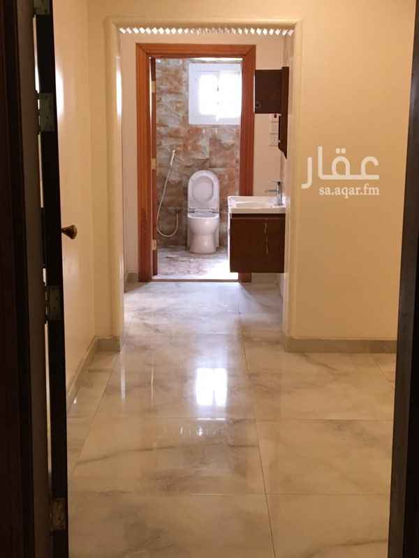 1479407 شقه ٦غرف مدخلين +غرفة شغاله + صاله وثلاث دورات مياه