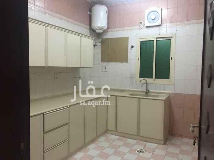 1297737 شقة  في حي الراكه اشماليه تتكون من غرفتين نوم وصاله ومجلس ومقلط ومطبخ ودورتين مياه
