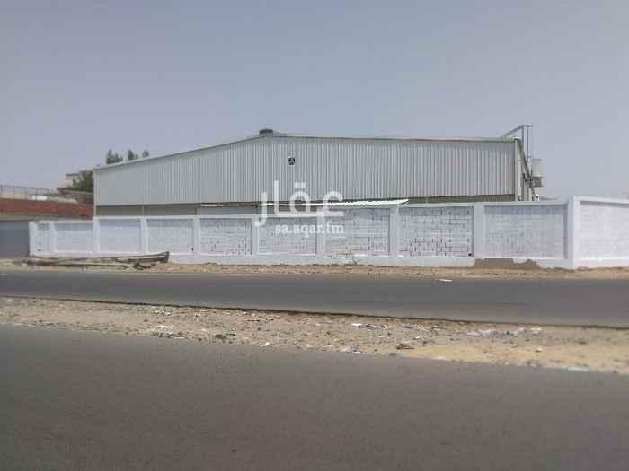 1724877 مستودع للايجار في مكة المكرمة , في الزائدي  بمساحة 686.88 متر مربع مع ارتدات , مطابق لمعاير السلامة والدفاع المدنية , توجد غرفة للحارس + حمام ومطبخ