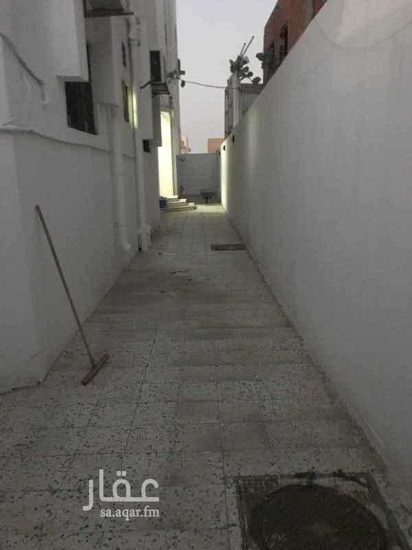 1296925 شقة دور ارضي مكونه من : مدخل خاص  مدخلين للشقه 4غرف  دوتين مياه  مطبخ راكب  لا يوجد صاله