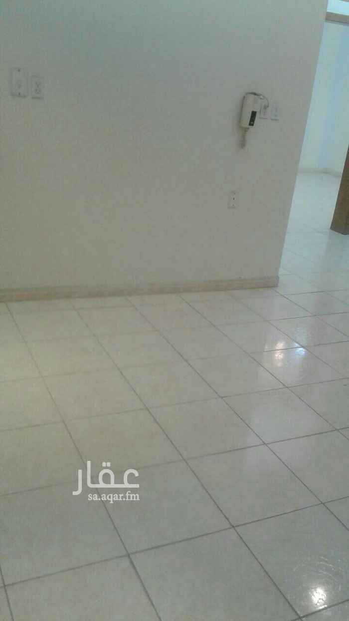 1768046 توجد عمارة بها شقه للإيجار في الطابق الثاني : تتكون من الأتي : غرفتين نوم - مجلس - صاله  غرفة غسيل - حمامين  الموقع : الشرقية - حي النور بالقرب من المدرسة الأمريكيه ومحلات الغاز