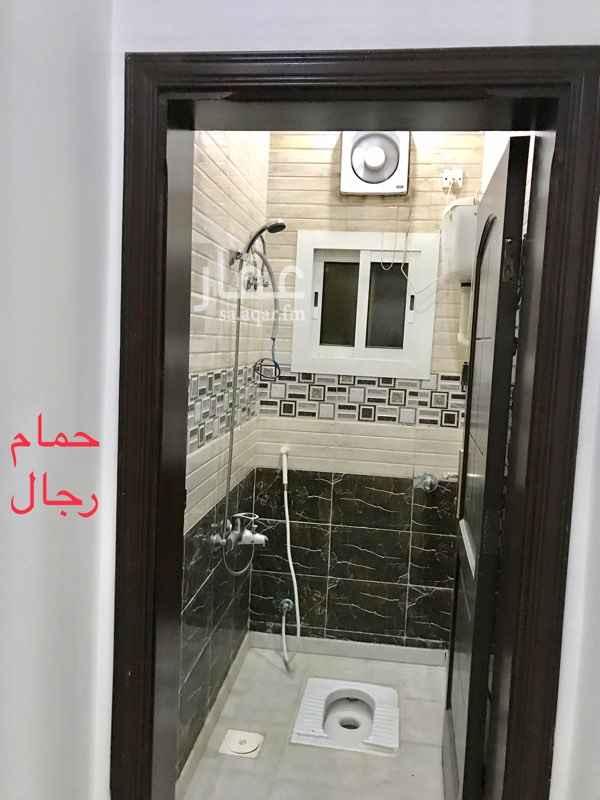 1288184 شقه اربع غرف   ثنتين دورات مياه اعزكم الله وصاله  قريبه من المسجد  مصعدين