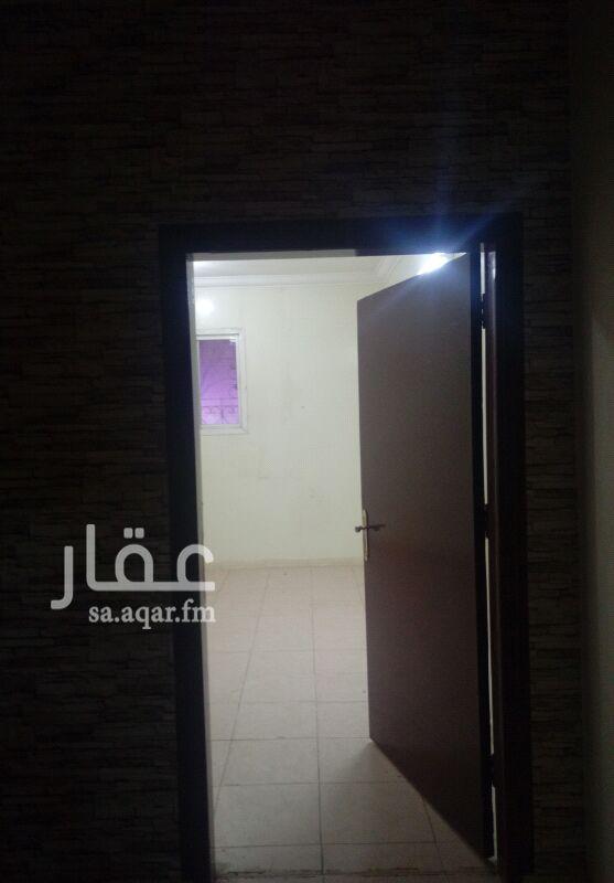 1208709 غرفه للايجارعزابي اجنبي.شارع الاعتدال باالتلال حي بدربجوارصيدليت الشافي.حمام.دورارضي400ريال باالشهر