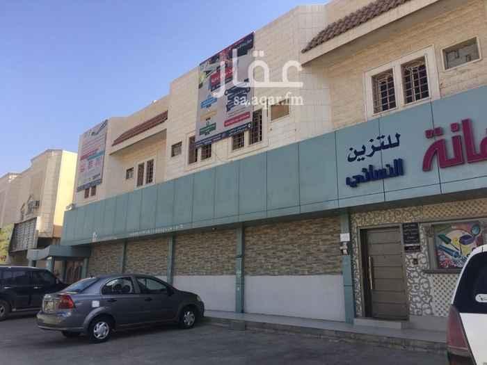 1388335 العقار يتميز بموقعه على شارع الامام سعود الكبير في حي سكني آهل وذا اقبال لاستثمار العديد من المشاريع الصغيرة والمتوسطة وتأجير للمكاتب  يرجى التواصل واتس