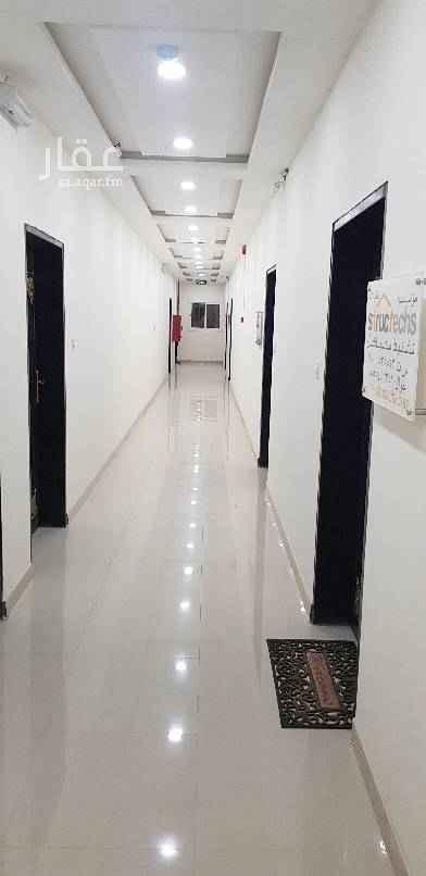 1752469 مكتب جديد للإيجار مكون من غرفتين وصاله ومطبخ ودورة مياه  دفع الإيجار سنوي بـ 15 ألف والدفع كل ستة شهور بـ 18 ألف