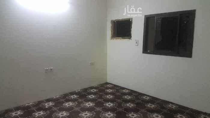 1585248 شقة علويه للايحار في عماره اربع غرف ودورتين مياه مطبخ راكب