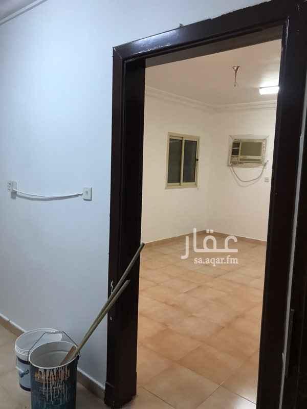 1591737 شقة عبارة عن غرفة وحمام ومدخل ، في عمارة عوائل   مكيف راكب ، مواقف ، قريبة من جميع الخدمات ، مجددة بالكامل