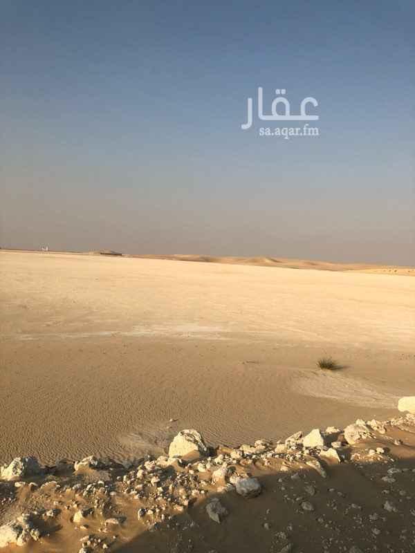 1289317 ارض للايجار مساحتها 160،000 على طريق الرياض بعد محطه سهل ب كيلوين بأتجاه الرياض الارض على الطريق  مباشره