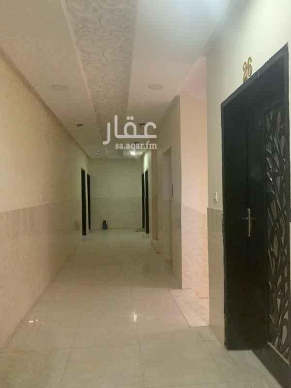 1710881 شقق للعزاب فقط    على شارع عبدالرحمن بن عوف   شقة مع مطبخ راكب وحمام بدون صاله  الايجار سنوووي فقط   للتواصل   0596260005
