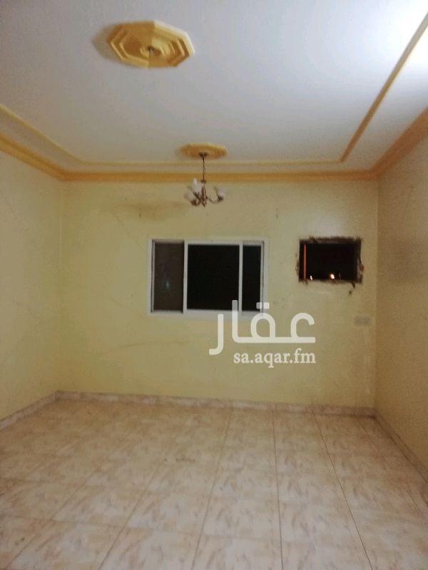 1506129 غرفة وصالة وحمام ومكان لعمل مطبخ الغرفة واسعة جدا والصالة ب ١١ الف دفعتين