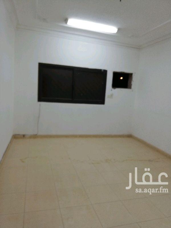 1701529 شقة ٣ وصالة واسعة دور اول علوي راكب مطبخ ب ١٨ الف