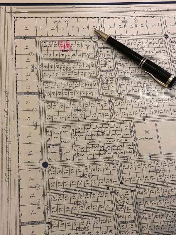 1289873 راس تجاري في مربع ١٧ حي الياسمين (للاستثمار او البيع)  المساحة ٢٦٨١.٣٣متر   الاطوال ٣٨.٣٠*٧٠   الشوارع ٣٦ شمالي - ١٨شرقي - ١٨ جنوبي    فيصل 0555448636  مباشر من المالك