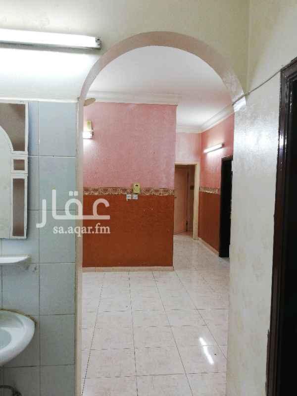 1245769 شقة علوية بالقرب من نادي الهلال الحي مكتمل الخدمات والدفع شهري او سنوي .  الرجاء التواصل عن طريق الواتس اب فقط