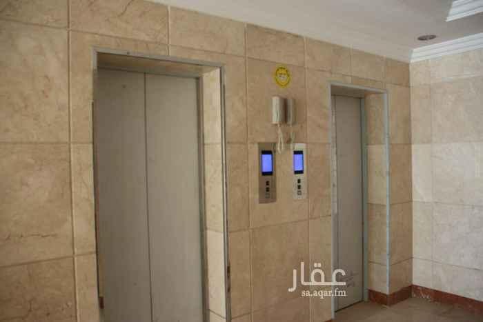 918101 شقة تمليك (7)غرف . مدخلين على شارع 20 7 غرف : مجلس 6 × 4 مجلس عربي 4 × 3 غرفة طعام 4 × 5 مجلس نساء 4 × 5 غرفة ضيافة 4 × 4.5 غرفة نوم أطفال 4 × 5 غرفة نوم رئيسية 4 × 5 مطبخ 4.5 × 4 صاله 6 × 5 غرفة خادمة 2 × 2 4 حمامات موقف خاص غرفة سائق مشتركة ضمانات خزان علوي وسفلي منفصل مصعدين شارب خدمة ادارة أملاك مساحة 242م جاهز للافراغ  مطلوب 800000ألف لدينا / تعقيب . استخراج تصاريح بناء . مقاولات . أراضي للتواصل  0598818916
