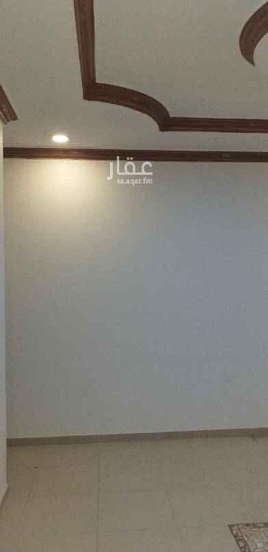 1426343 ¥ فيلا دبلكس للايجار  مساحة ٣٠٠م منفصل مجلس رجال + مجلس نساء + مقلط+ مطبخ الدور التاني ٤ غرف نوم وملحق غرفه + مستودع