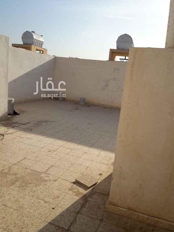 1751066 شقة مكونة من 3 غرف وصالة ومطبخ وعدد 2 حمام مع السطح الايجار شامل المكتب والماء .. للتواصل  ابو فيصل  0599066668