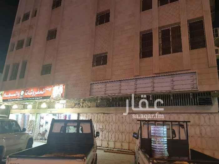 1290299 محلين للايجار على شارع عبدالعزيز بن ابراهيم قبل برافو وشبرا