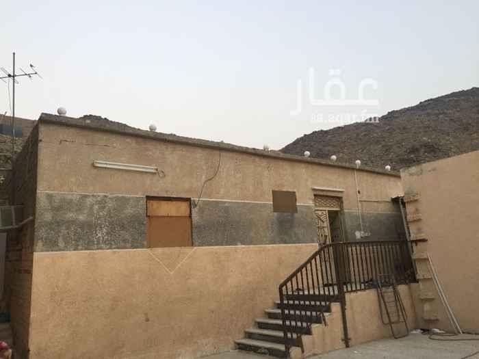 1352724 بيت الشعبي في شارع الحج خلف سوق دواس