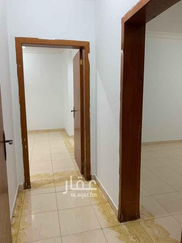 1660740 غرفتين حمامين صالة مطبخ   يوجد حوش   عمارة الناصر   للتواصل : 0599844137