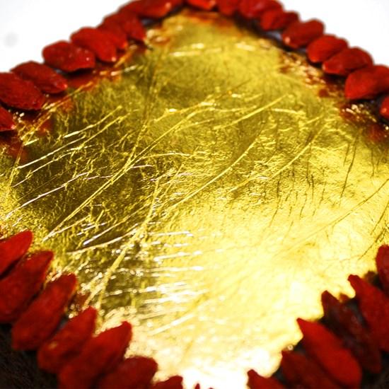 Organic Gluten-Free Luxury Vegan 23 Carat Gold Miracle Cake 380g