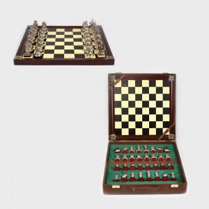 Joc de șah din argint, figurând lupta eroică a aztecilor lui Montezuma împotriva spaniolilor Castiliei și Aragonului, prima jumătate a sec. XX