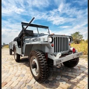 Jeep Willys, 1948 - dotat cu remorcă militară MB-T și mitralieră tip M2