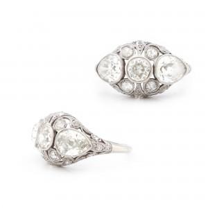 Splendid inel din platină, ornat cu diamante, cca. 1920-1930