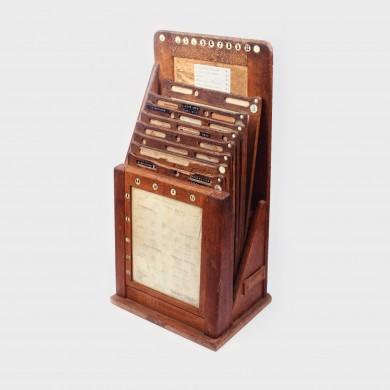 Fișet pentru documente contabile și comerciale, din lemn, începutul sec. XX